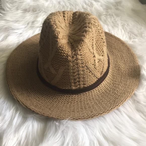 c8bb64223c6 MINT BY GOORIN wide brimmed hat